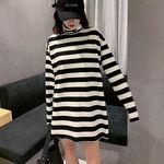 タートルネック白黒ボーダー ゆったりセーター(衣装・コスチューム)